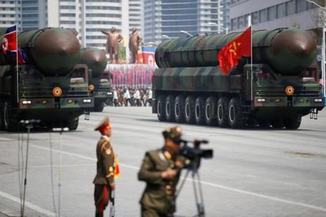 Ông Trump hoan nghênh Trung Quốc kiềm chế Triều Tiên - ảnh 1