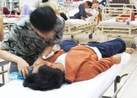 Khóc cười trong phòng cấp cứu - ảnh 2