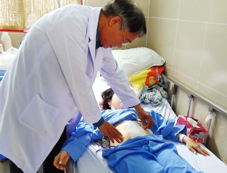 Bệnh viện quận 11 lần đầu phẫu thuật ca đứt đôi lá lách - ảnh 1