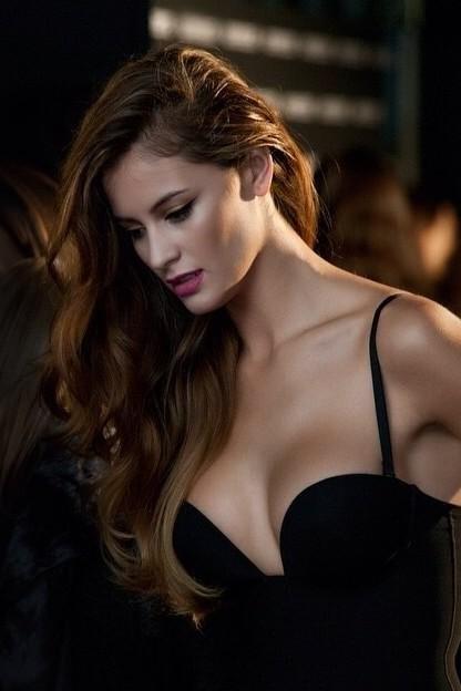 Hoa hậu Nam Phi Rolene Strauss là Hoa hậu đẹp nhất thế giới - ảnh 5