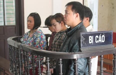 Tạm hoãn phiên tòa đưa người sang Angola lao động 'chui' - ảnh 1