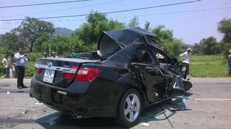 Đà Nẵng: 4 người chết trong vụ tai nạn thảm khốc giữa xe khách và ô tô - ảnh 1