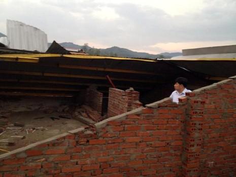 Nghệ An: Lốc xoáy làm 4 người bị thương - ảnh 1