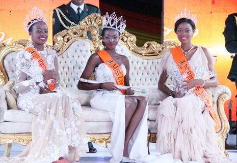 Hoa hậu Zimbabwe bị tung ảnh 'nóng' lên mạng