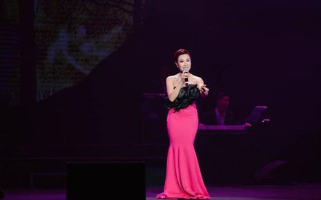 """Liveshow Khánh Ly: """"Gọi tên bốn mùa"""" trọn vẹn với khán giả - ảnh 4"""
