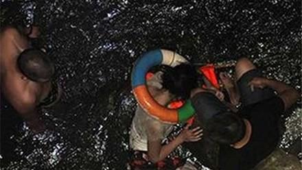 Anh Liu thấy hối hận khi nhảy xuống sông vì nước quá bẩn.