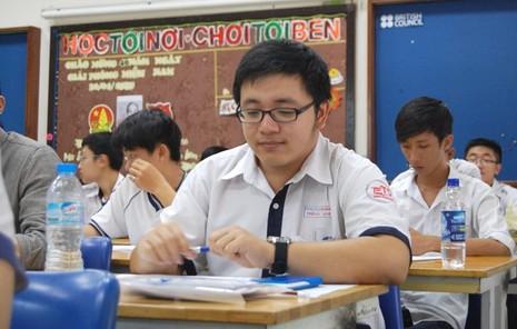 Kỳ thi THPT quốc gia 2015: Thí sinh bắt đầu thi môn đầu tiên  - ảnh 7