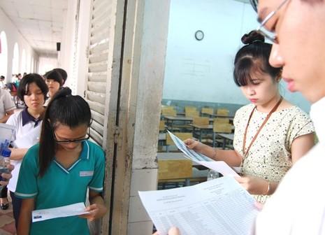 Kỳ thi THPT quốc gia 2015: Thí sinh bắt đầu thi môn đầu tiên  - ảnh 5