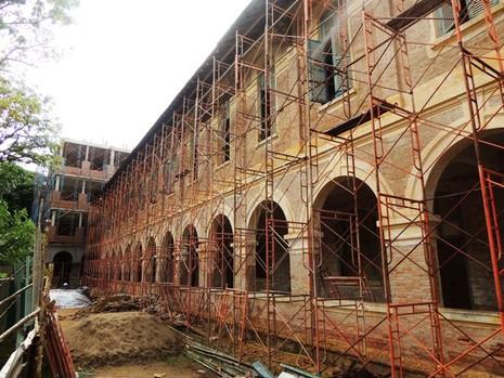 Ngôi trường cổ nhất miền Tây đang được… hiện đại hóa - ảnh 5