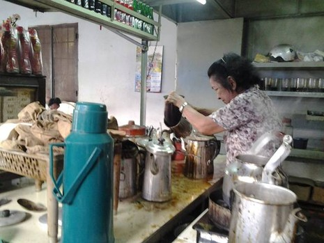 Chùm ảnh: Quán cà phê vợt cuối cùng ở Biên Hòa - ảnh 2