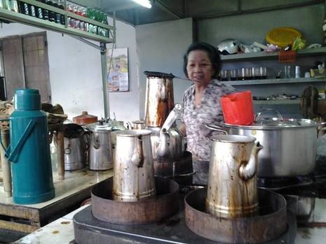 Chùm ảnh: Quán cà phê vợt cuối cùng ở Biên Hòa - ảnh 3