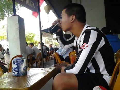 Chùm ảnh: Quán cà phê vợt cuối cùng ở Biên Hòa - ảnh 8