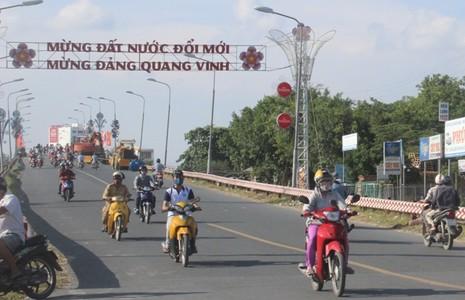 Cần Thơ: Chính thức cấm ô tô qua cầu Quang Trung - ảnh 2