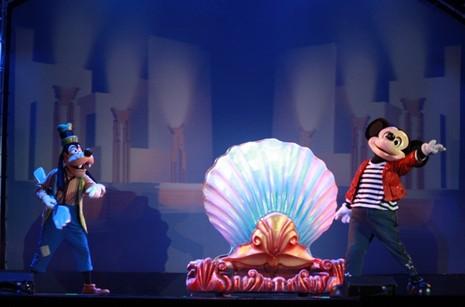 Chuột Mickey và nhiều nhân vật hoạt hình khác gây 'sốt' ở TP.HCM - ảnh 2