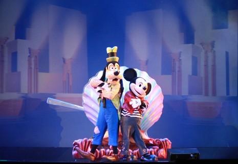 Chuột Mickey và nhiều nhân vật hoạt hình khác gây 'sốt' ở TP.HCM - ảnh 1