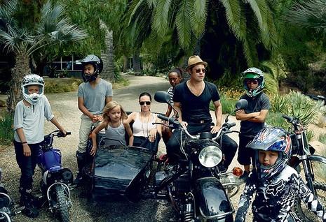 Gia đình Angelina Jolie - Brad Pitt và những khoảnh khắc ngọt ngào - ảnh 1