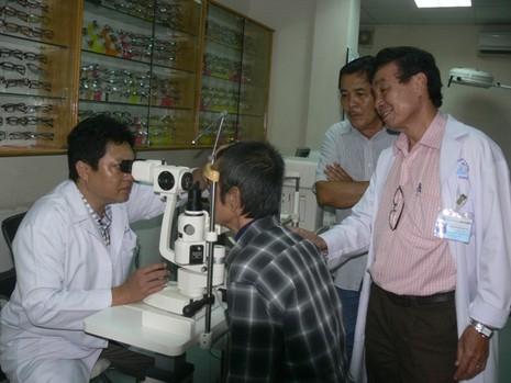 Ông Huỳnh Văn Nén ra khỏi trại tạm giam để chữa bệnh - ảnh 3