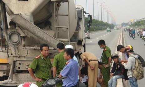Xe bồn va chạm xe máy, hai nữ sinh chết thảm - ảnh 2