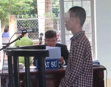 Đứng trước tòa, bị cáo 15 tuổi 'mong sớm được đi học trở lại' - ảnh 1