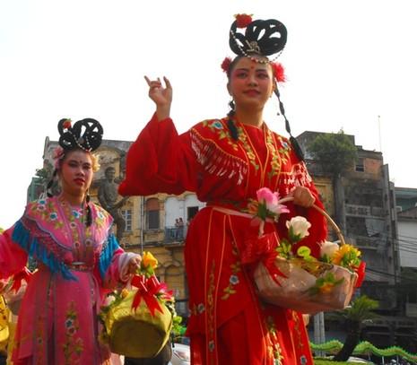 Rộn ràng lễ hội đường phố tết Nguyên tiêu ở Chợ Lớn Sài Gòn - ảnh 11