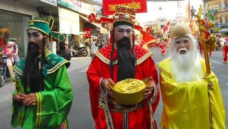 Rộn ràng lễ hội đường phố tết Nguyên tiêu ở Chợ Lớn Sài Gòn - ảnh 12