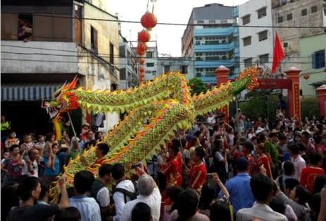 Rộn ràng lễ hội đường phố tết Nguyên tiêu ở Chợ Lớn Sài Gòn - ảnh 1