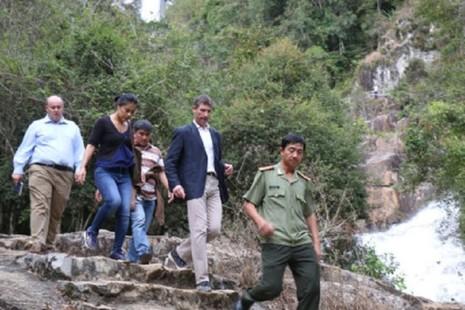 Có thể khởi tố vụ ba du khách Anh tử nạn ở thác Datanla - ảnh 2