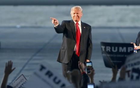 Đảng Cộng hòa vật vã ngăn cản tỉ phú Donald Trump - ảnh 1