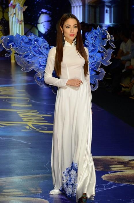 Trương Thị May, Kim Tuyến khoe sắc trong đêm diễn thời trang - ảnh 10