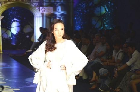Trương Thị May, Kim Tuyến khoe sắc trong đêm diễn thời trang - ảnh 6