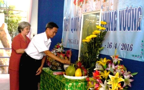 Công dân huyện đảo Trường Sa dâng hương tưởng nhớ vua Hùng - ảnh 1