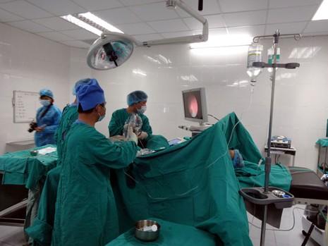 Không còn bệnh nhân rồng rắn sang Trung Quốc chữa bệnh - ảnh 1