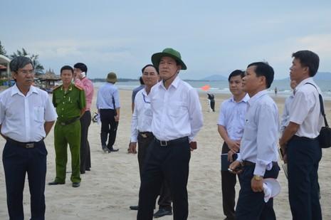 Bí thư Tỉnh ủy Bà Rịa-Vũng Tàu đi thị sát biển - ảnh 1