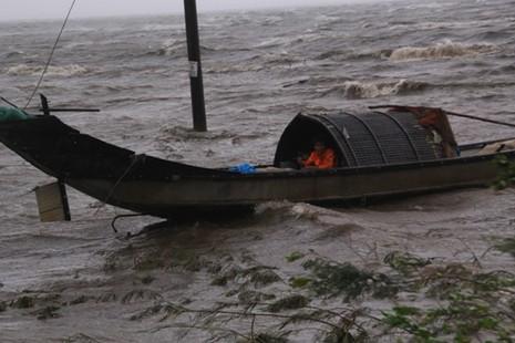 Nhiều tàu cá chìm trên vùng biển Đà Nẵng - ảnh 1