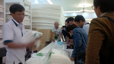 Đà Nẵng: Xử phạt hai showroom được cho là cấm cửa người Việt - ảnh 1
