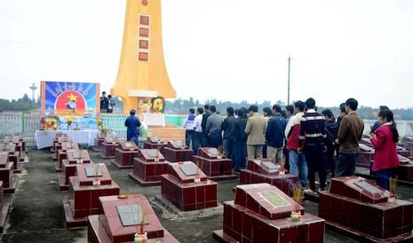 Xúc động lễ tưởng niệm 64 liệt sĩ trận hải chiến Trường Sa - ảnh 4