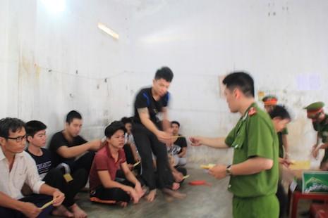 Đà Nẵng: Đưa phiếu bầu đến từng buồng giam  - ảnh 1