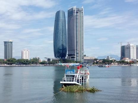 Bí thư Thành ủy Đà Nẵng: Vụ chìm tàu sẽ xử lý nghiêm và không bao che - ảnh 2