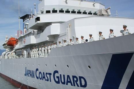 Tàu JCGS KOJIMA cùng các sĩ quan tới Đà Nẵng năm 2013. Ảnh: LÊ PHI