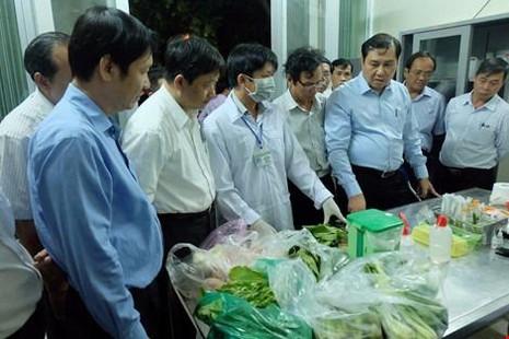 Ông Huỳnh Đức Thơ (Chủ tịch UBND TP Đà Nẵng) vừa qua đột xuất kiểm tra tại chợ đầu mối