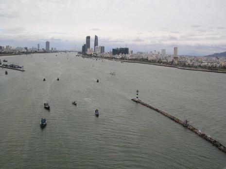 TP Đà Nẵng phối hợp với tư vấn nước ngoài tính toán thực hiện một loạt quy hoạch trên địa bàn TP. Ảnh: LÊ PHI