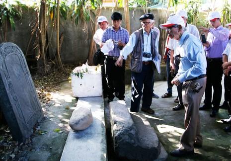 Khai quật thăm dò dấu vết mộ vua Quang Trung - ảnh 1