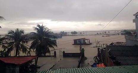 Ngập lũ lại đang hoành hành ở Quảng Bình. Ảnh: Nguyễn Do.