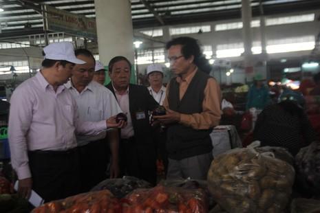 Buộc kê khai xuất xứ hải sản, rau củ trước khi vào chợ - ảnh 3