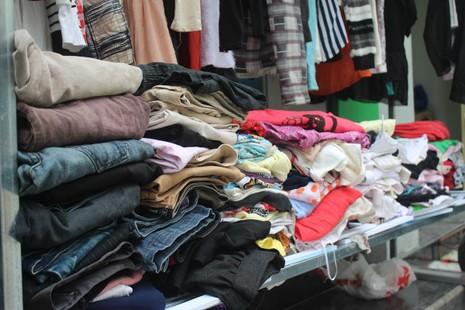 Quầy quần áo Tết miễn phí cho người nghèo - ảnh 5