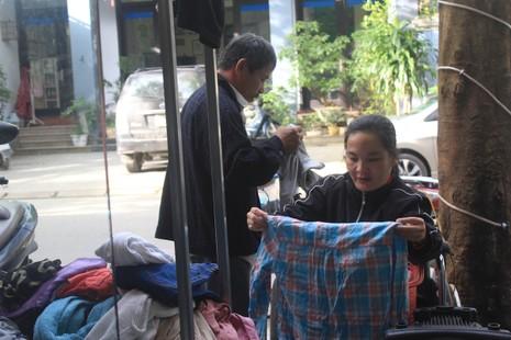 Quầy quần áo Tết miễn phí cho người nghèo - ảnh 6