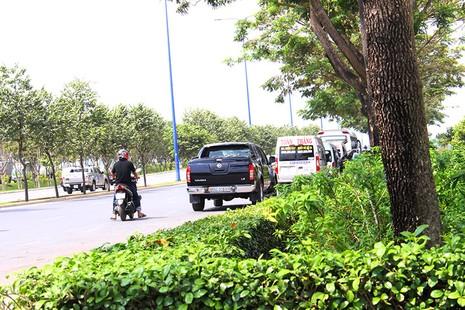 Xe chở khách vẫn cố tình vi phạm quy định cấm dừng - ảnh 4