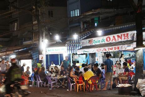 Loạn vỉa hè: Cận cảnh phố ốc Vĩnh Khánh và phố Tây Bùi Viện - ảnh 13