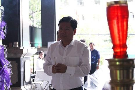 Bí thư Đinh La Thăng viếng ông Nguyễn Thanh Chín - ảnh 3