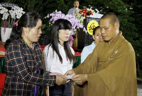 Xúc động lễ cầu siêu cho 800 nạn nhân mất do tai nạn - ảnh 3
